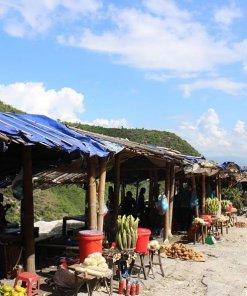 đèo thung khe, đèo đá trắng, chợ ở đèo thung khe