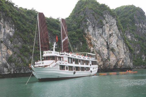 tour hạ long 3 ngày 2 đêm ngủ tàu